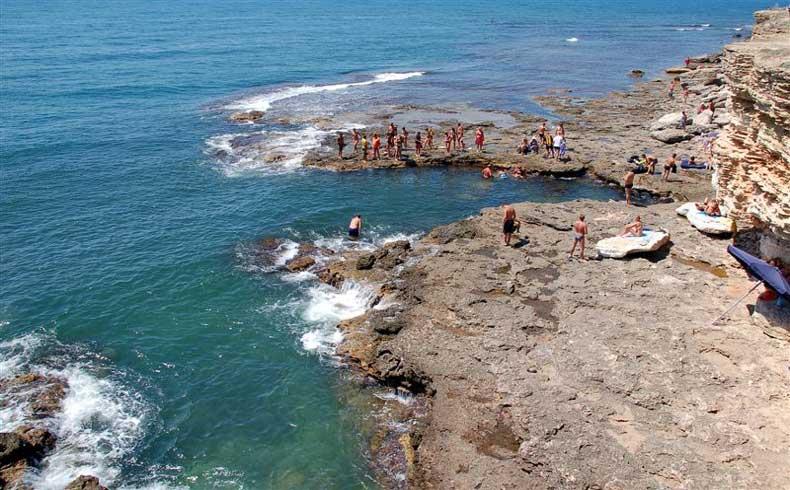 Мыс Тарханкут - Красивый и солнечный пляж Крымского полуострова - Фото
