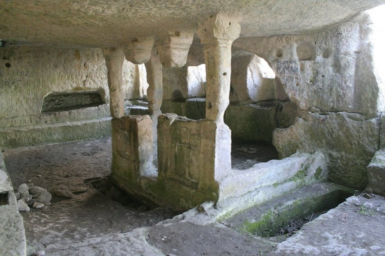 Тепе-Кермен, пещерная церковь - Фото 11