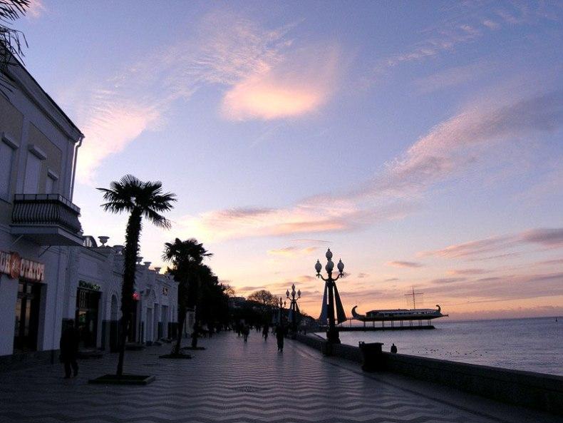 Закат на ялтинской набережной - Фото 12