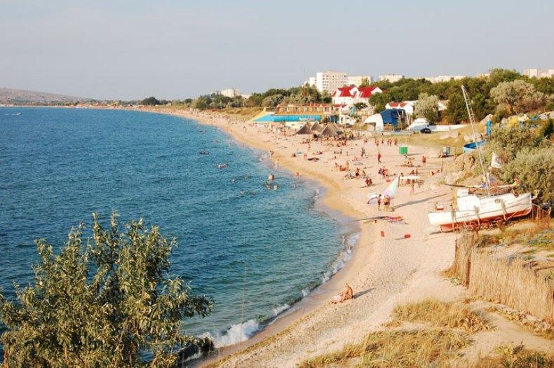 Пляж в Щелкино - Фото 01