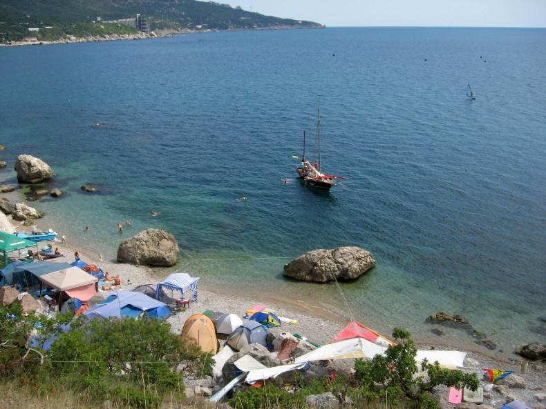 Бухта Ласпи, дикий пляж - Фото 02