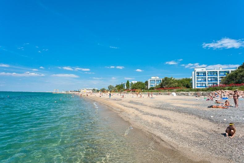 Пляж неподалеку от санатория - Фото 15