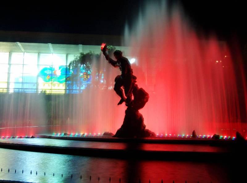 Светомузыкальный фонтан - Фото 08