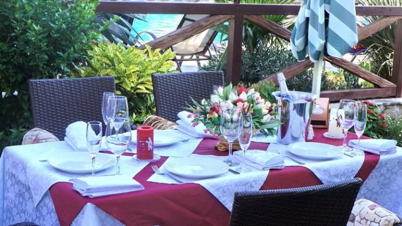 Ресторан с летней террасой - Фото 14