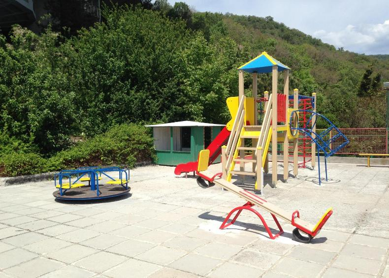 Детская площадка на территории санатория - Фото 14