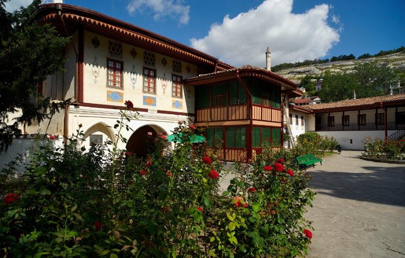 Mечеть и двор в Ханском дворце в г. Бахчисарай - Фото 04