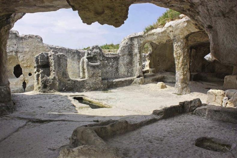 Мертвый город-крепость Эски-Кермен - Фото 10