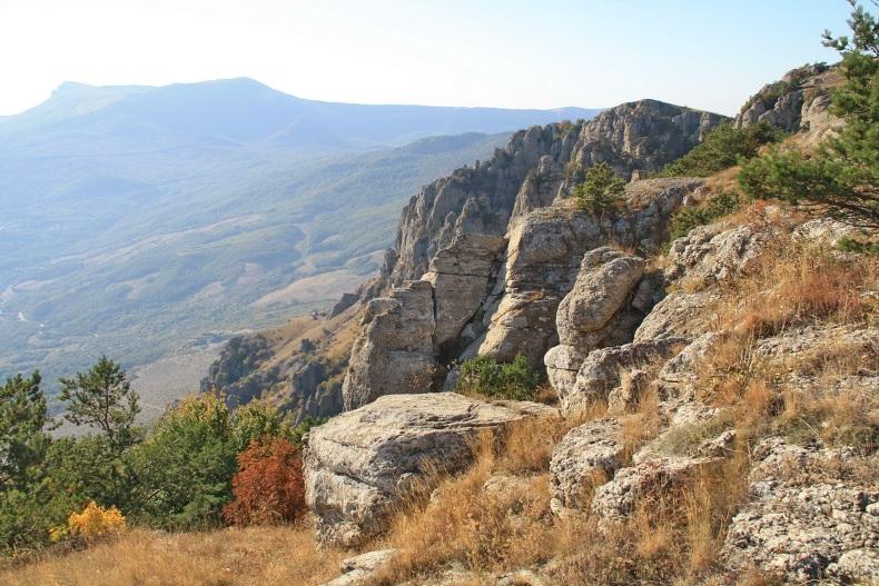 Вид на Чатыр-Даг и Долину Привидений - Фото 16