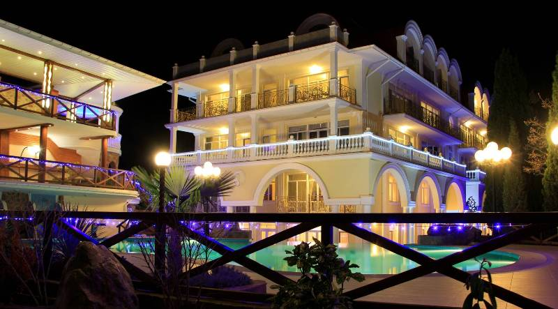 Отель Александрия, вечерний вид - Фото 12
